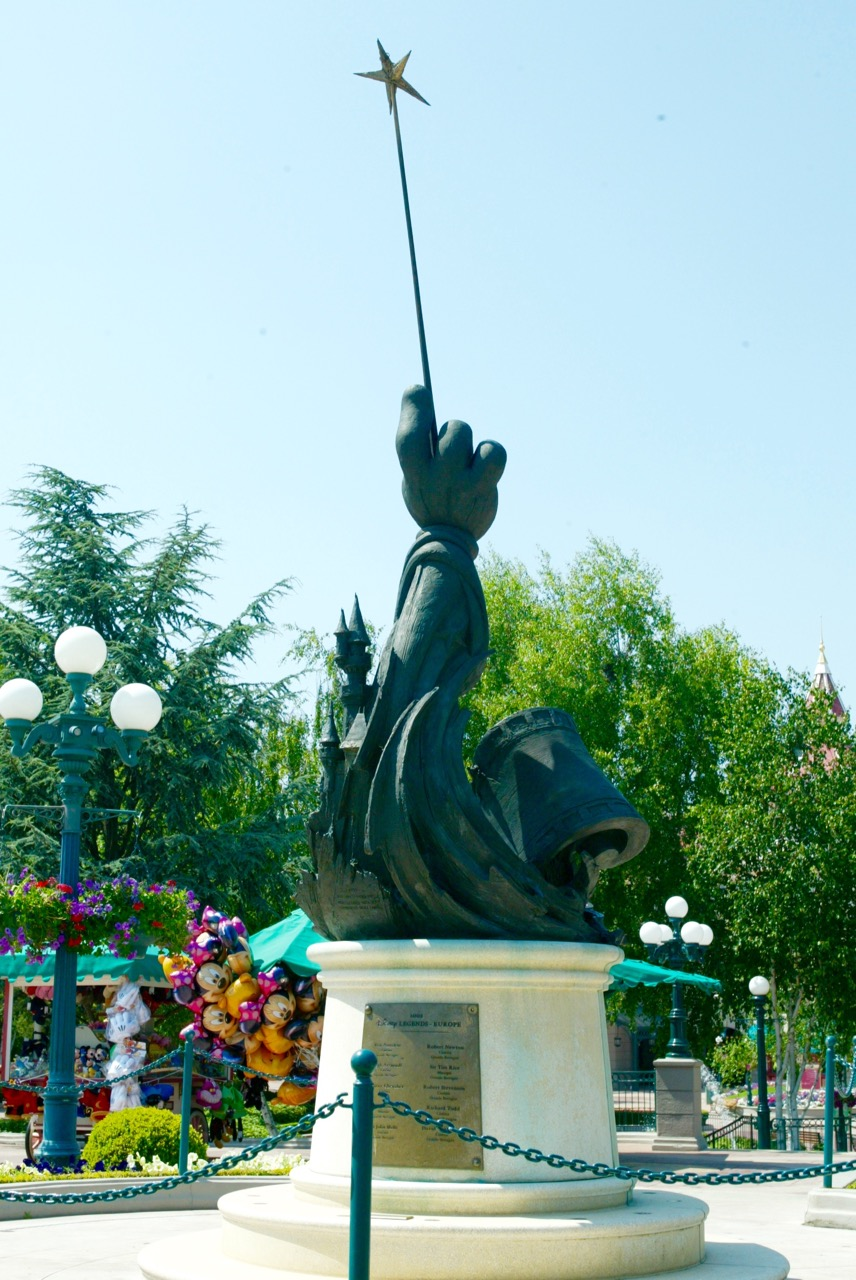 A large version of this statue is also found in Disneyland Paris, where they have acknowledged those Disney Legends who are from Europe. Photo by J. Jeff Kober.